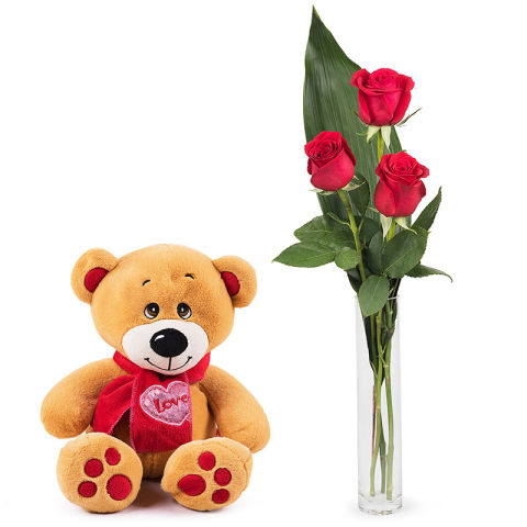 First love: 3 red roses and a teddy bear